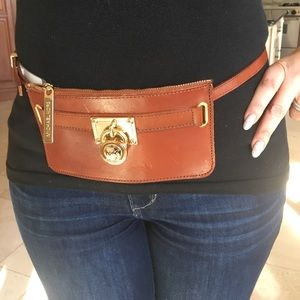 MICHAEL KORS wallet on a belt NEW 🙂Brown Leather