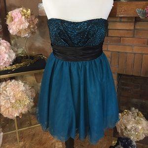 Speechless  Dresses & Skirts - Speechless party dress sz 11