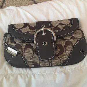 Small Coach clutch! Great condition! Authentic!