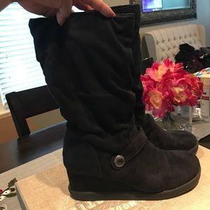 Roxy Shoes - Roxy black booties. Super soft!
