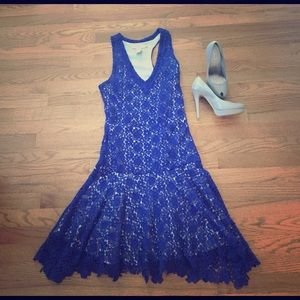 Isabel Lu Dresses & Skirts - Blue lace party dress