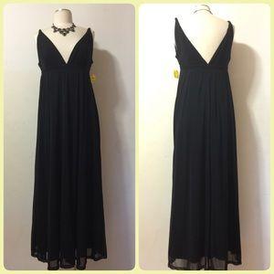 Spiegel Dresses & Skirts - 🌺🌺🌺Black V neck & V Back Maxi Dress🌺🌺🌺