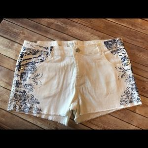 Celebrity Pink Pants - NWT White blue jeans shorts