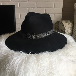 August Hats Accessories - Felt Hat