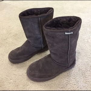 BearPaw Shoes - 🌺🌺BearPaw super comfy suede shearling boots