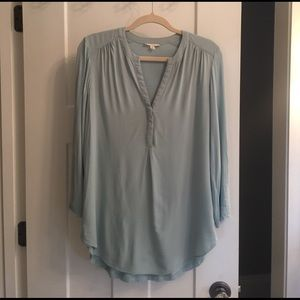 Aqua colored Pleione tunic top