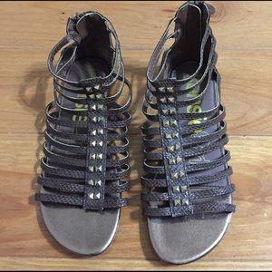 Kensie Girl Other - Girls Kensie Girl Gladiator Sandals w/studs size 4