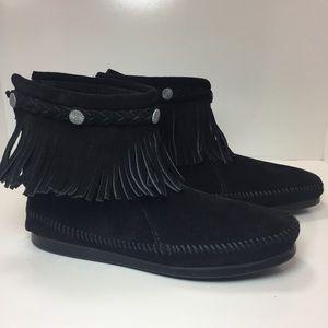 Minnetonka Shoes - NEW MINNETONKA moccasins
