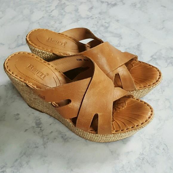 e6e286f0b9ca Born Shoes - Born Ilara Slip-on Woven Wedge Sandals Size 7