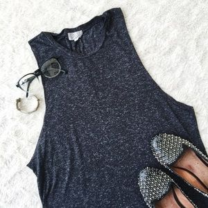 Lucca Couture Tops - 📏 Heathered Grey Sleeveless T-Shirt 📏
