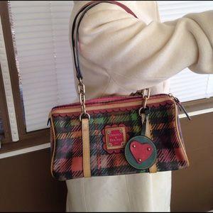 Dooney & Bourke Handbags - Dooney and Bourke vintage barrel bag