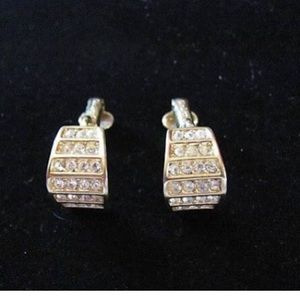 Christian Dior Jewelry - Vintage CHRISTIAN DIOR Gold Tone Clip on Earrings