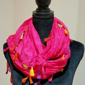 2 Chic Accessories - 2 Chic scarf with colorful tassels