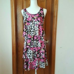 Element Dresses & Skirts - BOGO Daisy floral tiered ruffle dress