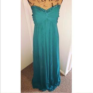 David's Bridal Dresses & Skirts - Beautiful Prom Dress