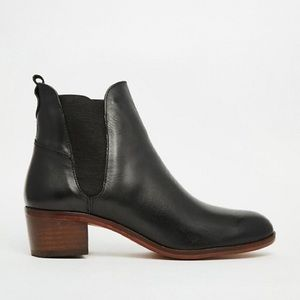H By Hudson Shoes - H by Hudson Compound black Chelsea ankle boots 36