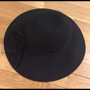 Lucky Brand floppy hat