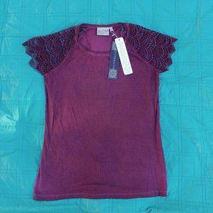 Dantelle Tops - Dantelle oil dye lace sleeve top