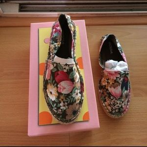 Soda Shoes - Brand New With Box Floral Print Flats