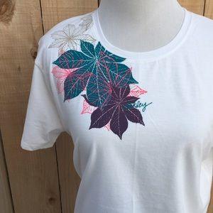 Oakley Tops - 🆕🎁 Oakley T-shirt