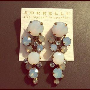 Sorrelli Jewelry - Sorrelli Crystal Drop Earring in Cloud Nine