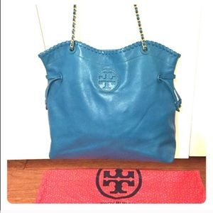 Tory Burch Handbags - Tory Burch Marion. Large Tote