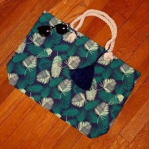 Target  Handbags - 🆕Tropical leaves tote