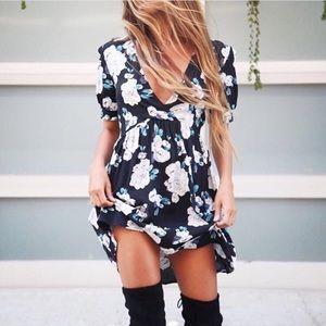 Flynn Skye Dresses & Skirts - Flynn Skye Sage Dress