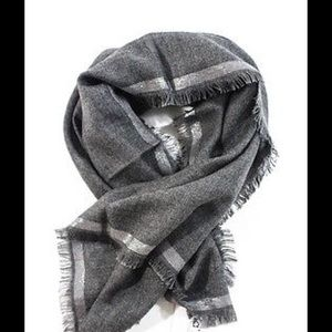 Loro Piana Accessories - Loro piana cashmere grey scarf with fringe
