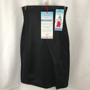 Assets by Spanx Other - NWT Assets by Spanx High-Waist Mini Half Slip