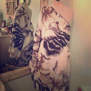 Dresses & Skirts - One Sleeve Flowy Printed Dress