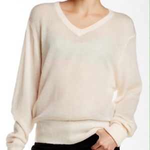 Wildfox Sweaters - WILDFOX white label white cream pullover sweater