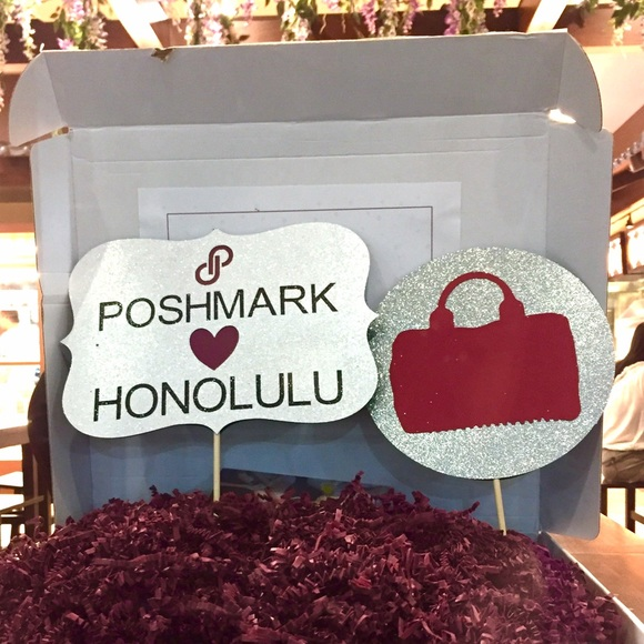 Posh N Sip Accessories - Send me a message if you are lost!