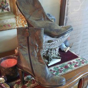 Donald J. Pliner Shoes - DONALD J PLIMER Leather distressed Boots/ SALE