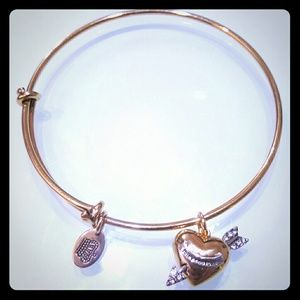Jewelry - Juicy couture bow and arrow wish bangle