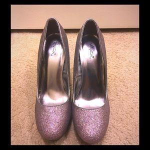 Qupid Shoes - Glittery heels