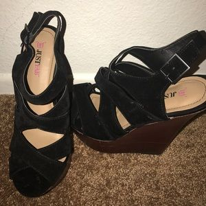 JustFab Shoes - 🔥New strappy Black brown 7.5 Wedges sandals heels
