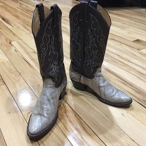 Justin Boots Shoes - Justin cowboy boots sz 6 1/2 Med leather sexy nice