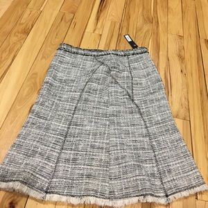 The limited skirt sz 6 nwt $78 side zipper