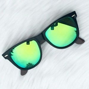 New Authentic Ray-Ban Mirror Sunglasses!!
