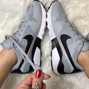 Nike Shoes - NWT air Pegasus grey wolf 🐺