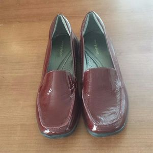 Easy Spirit Shoes - EUC EasySpirit Red Patient Leather Flats Size 11
