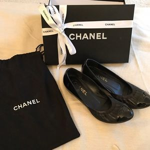 CHANEL Shoes - CHANEL Ballet Flats - Size 37