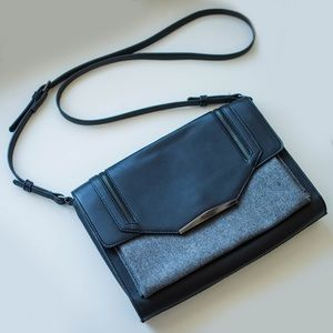 Danielle Nicole Handbags - Danielle Nicole Black Crossbody Bag