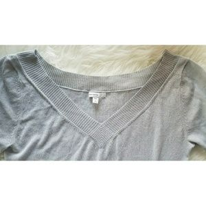 GAP Tops - GAP Light Grey V-Neck Maternity Top