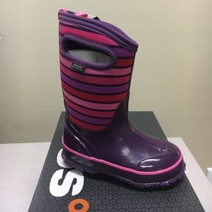 Bogs Other - NIB BOGS Girls insulated boots