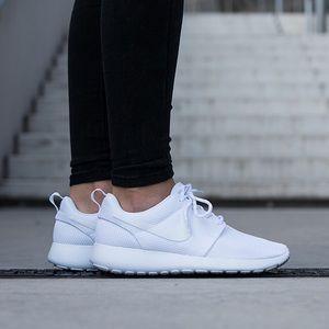 Nike Shoes - Nike Roshe One Sneakers