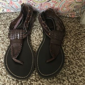 Yellow Box Shoes - NWOT Brown sandals!! Size 6
