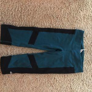 ALO Yoga Pants - Alo yoga cropped leggings