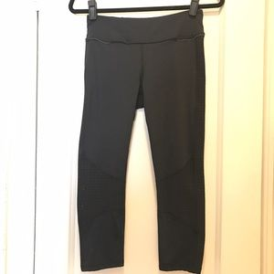 Alala Pants - ALALA cropped athletic leggings
